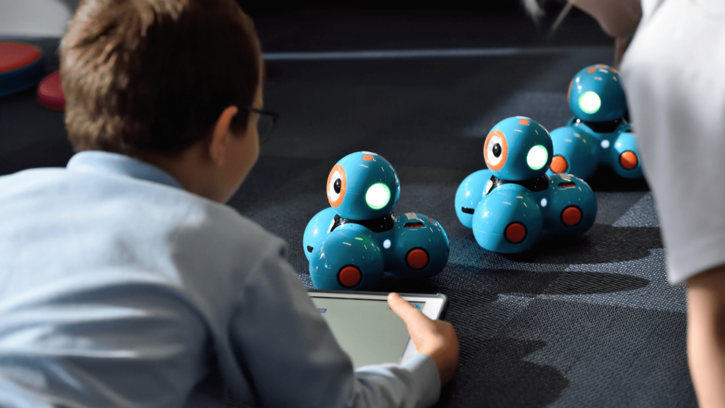 Gifts for Kids_ 10 Cool Gifts for Kids Who Love Tech! - banner